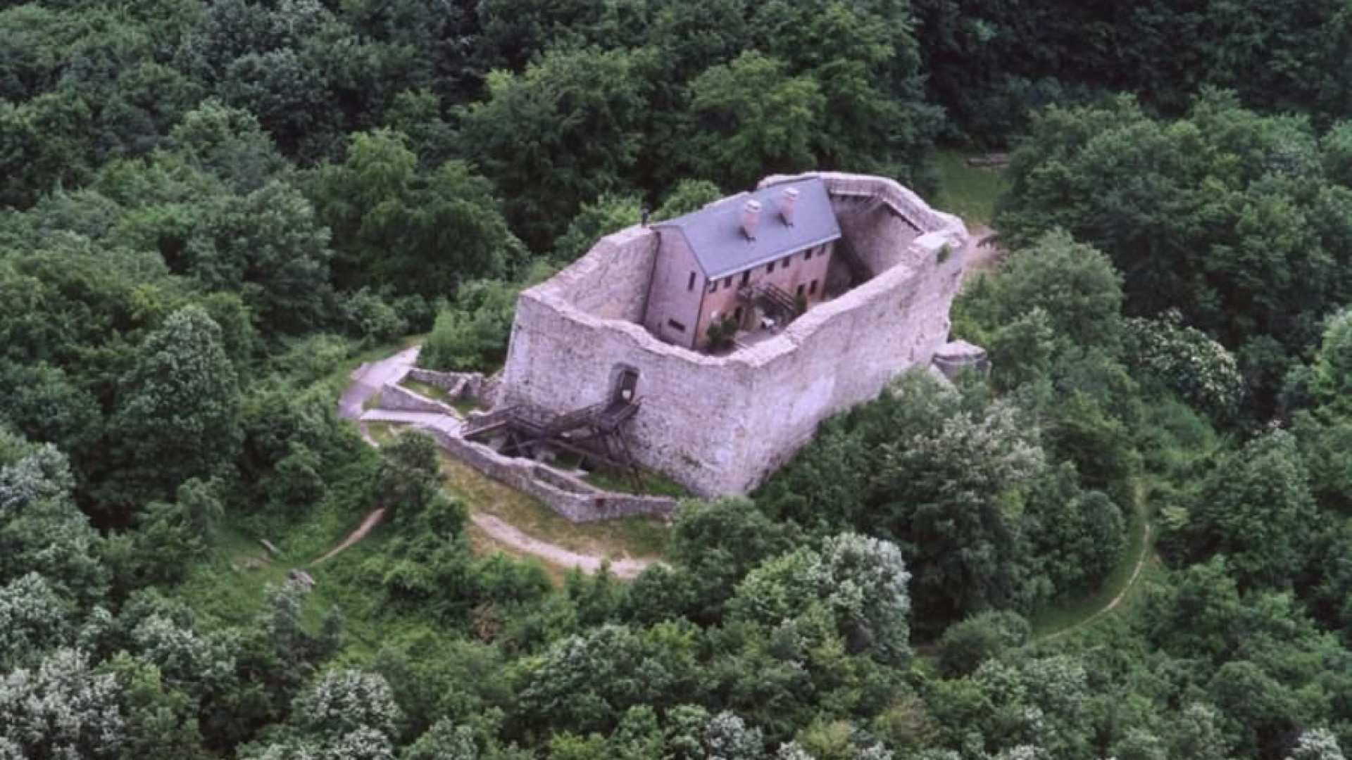Castle of Máré (Máré-vár)